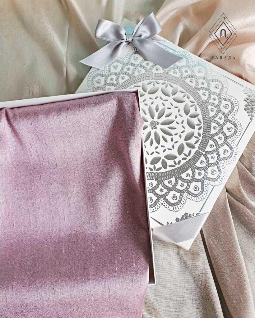 ของขวัญ ผ้าไหม 2 สี ในกล่องไม้ (15ชุด 280.-)
